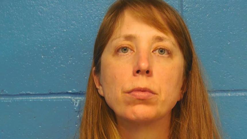 Wisconsin Woman Screams, Points Shotgun at Hunters
